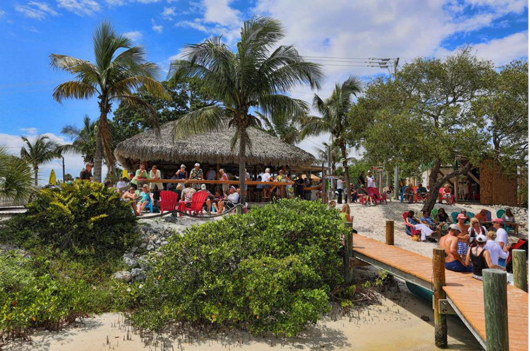 Waterfront dining what a delight siesta sand for Casey key fish house