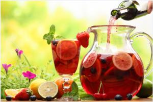 Refreshing Sangrias for Sunny Summer Dayz!