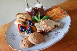 Simply Gourmet  presents tea at the Crosley Estate