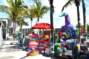 Siesta Beach Concessions: A True Juggling Act