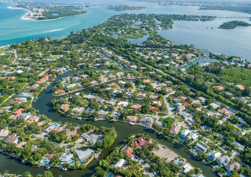 homes with boat slips siesta key